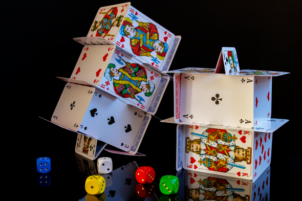The Pros and Cons of being a Professional Poker Player