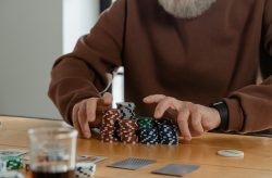 4 Ways of Improving Your Poker Success Online
